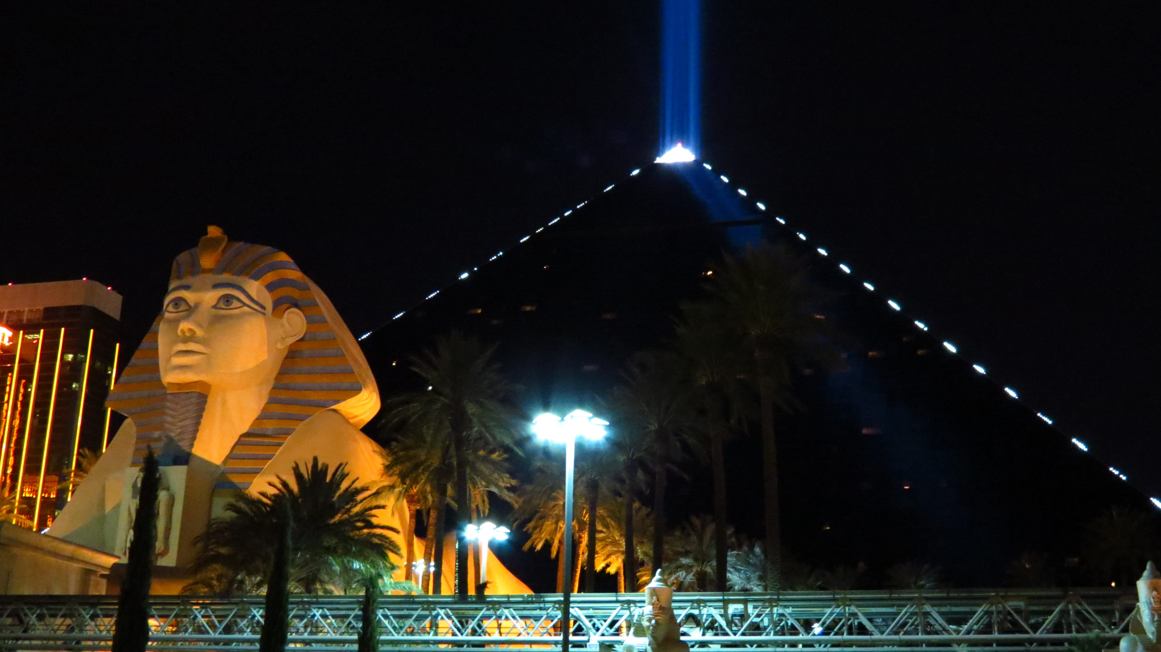 Luxor Casino Resort – Ancient Egypt Luxury in the Heart of Las Vegas